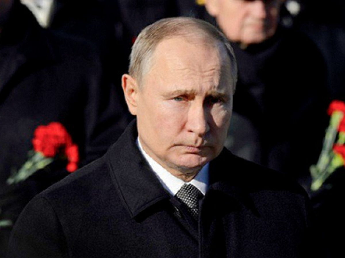Путин назвал имена погибших членов экипажа сбитого надАрменией вертолета