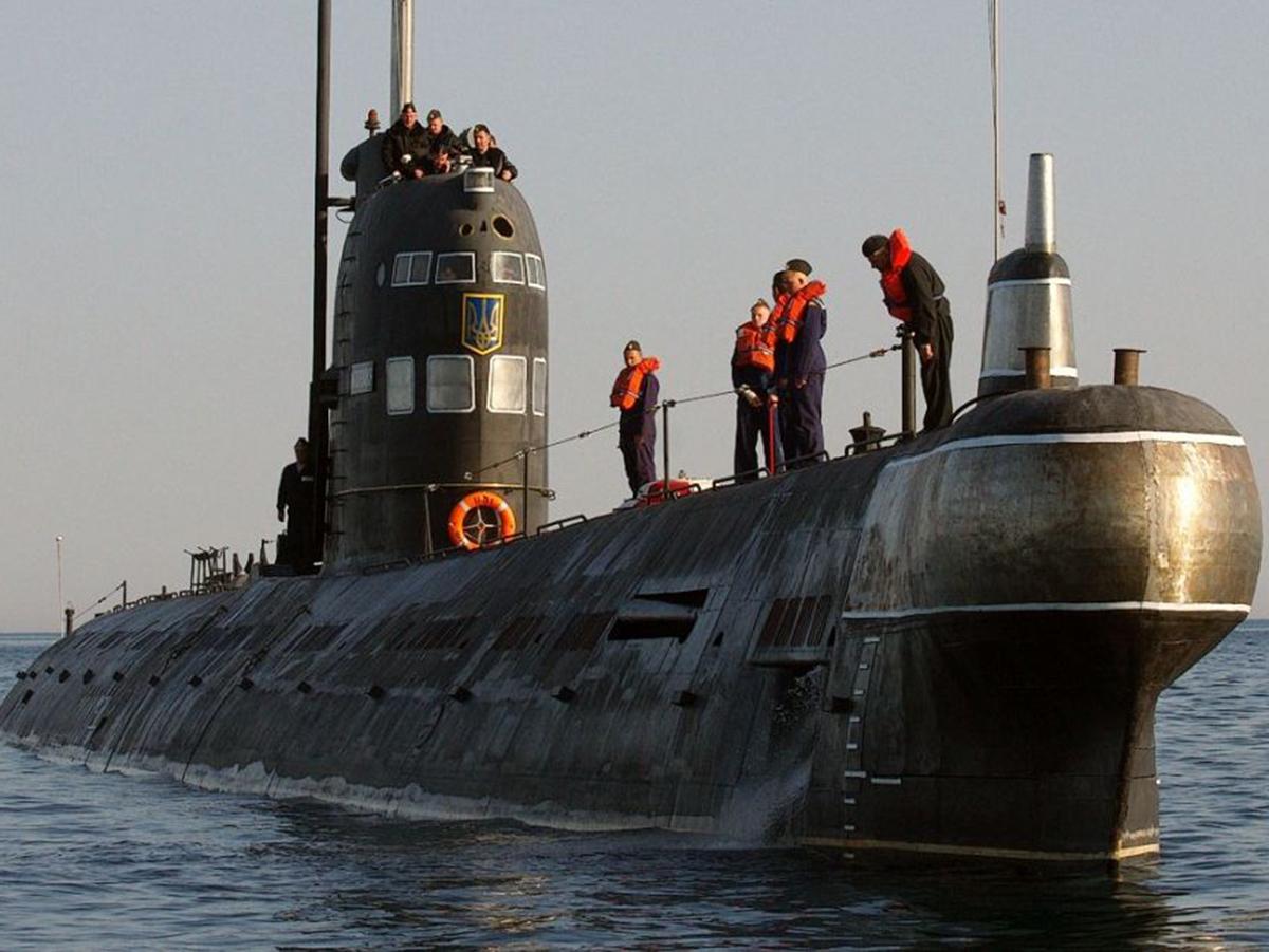 Российские моряки показали непристойный жест американскому самолету