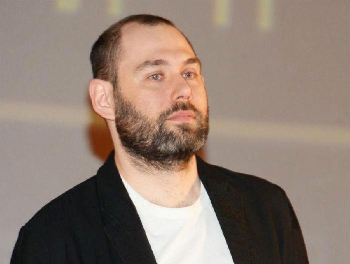Семен Слепаков появился на публике без кольца, намекнув на развод