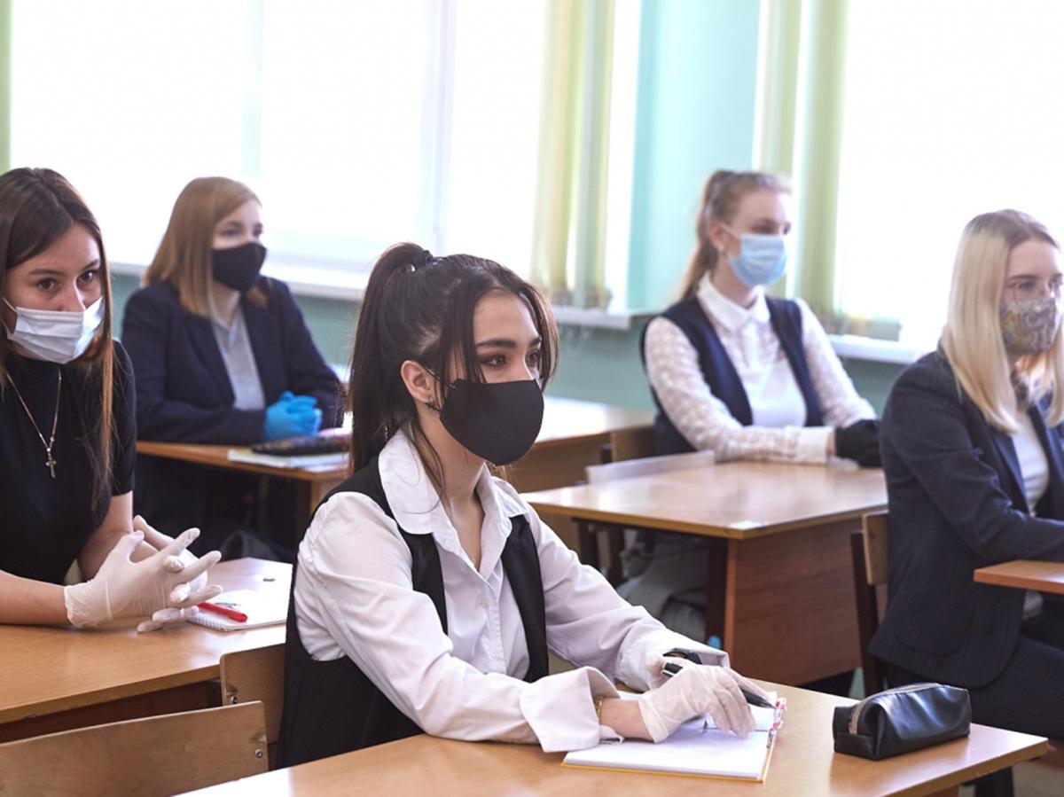 Иностранных студентов отчисляют из-за пандемии коронавируса