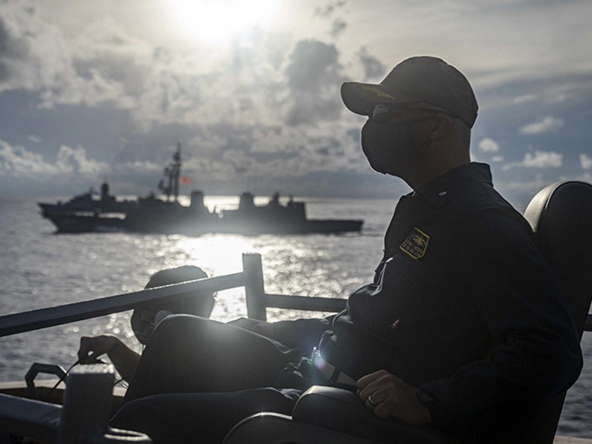 Третья мировая из-за эсминца США