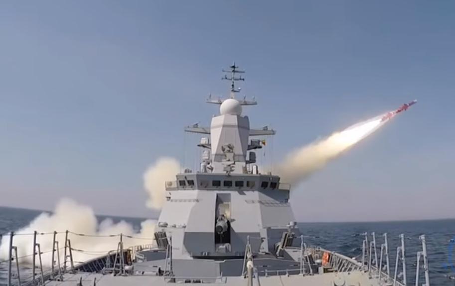 "Ракета ""Уран"" пущена по району с кораблем ВМФ США"
