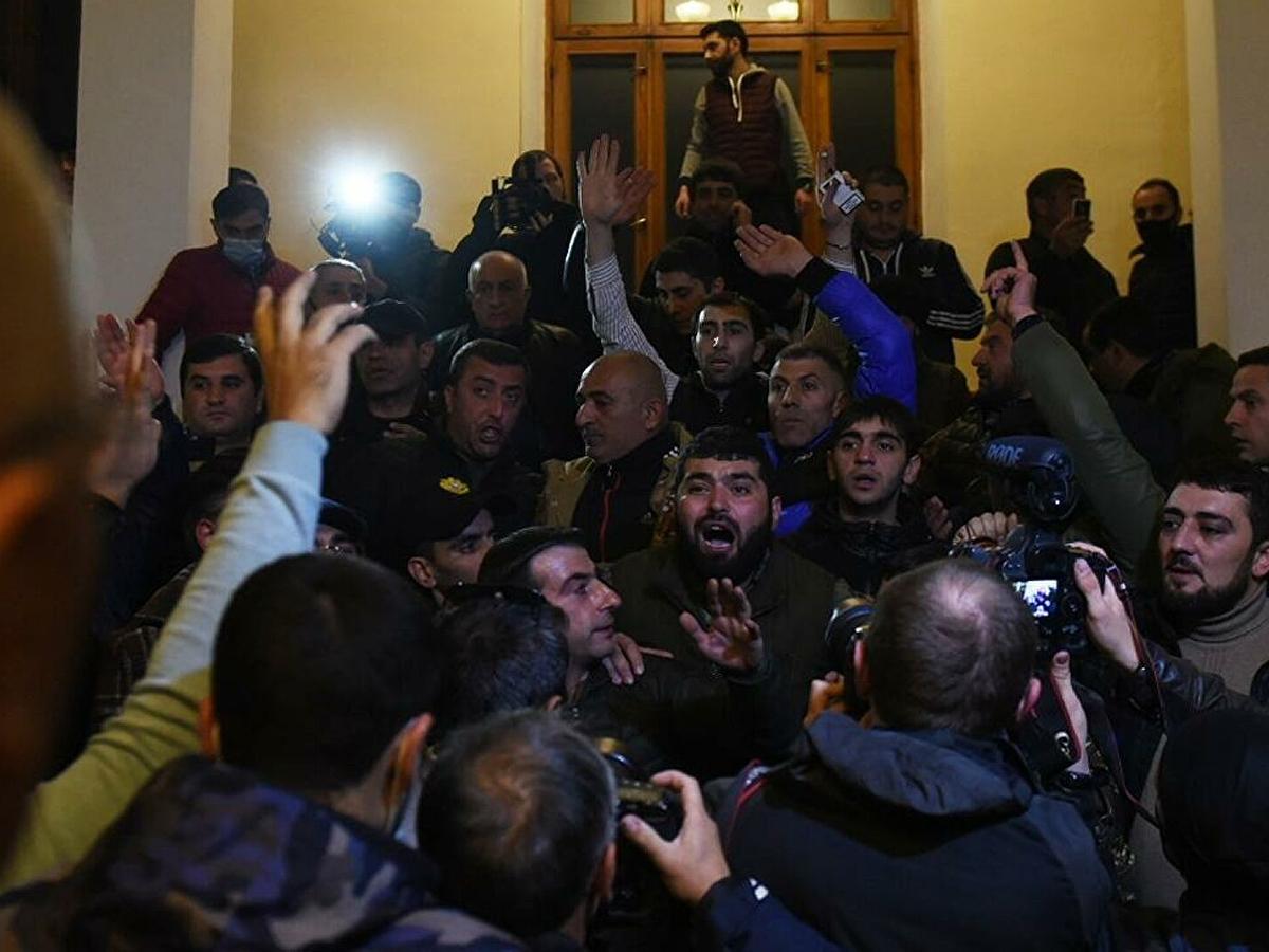 Волнения в Ереване