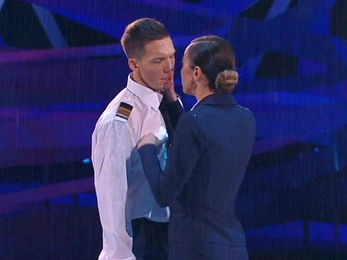 Низкие оценки на шоу «Ледниковый период» довели Ольгу Бузову до слез
