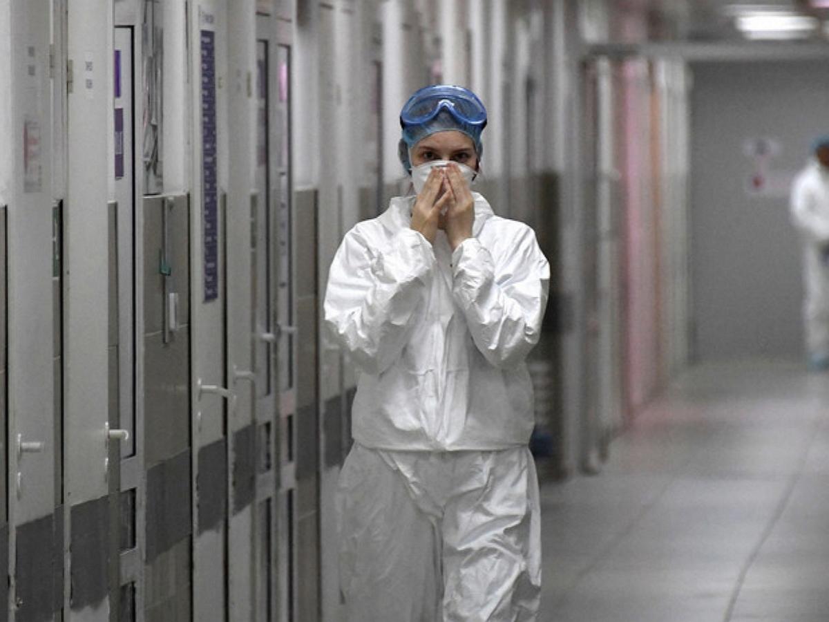 Вирусолог назвал дату пика COVID-19 в России