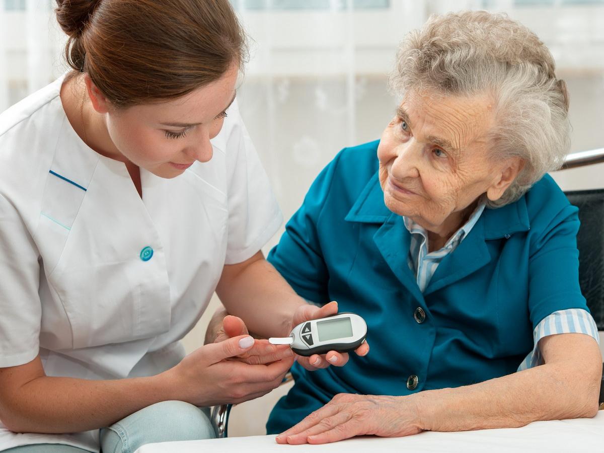 Врачи объяснили, как за полчаса в день можно снизить уровень сахара в крови