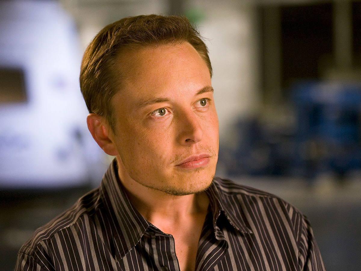 Илон Маск вышел на второе место в рейтинге миллиардеров