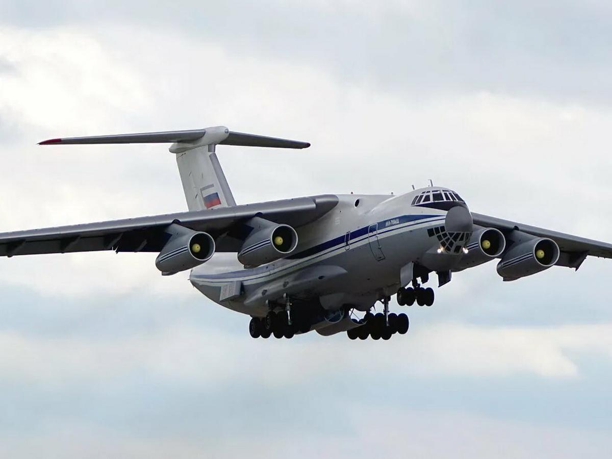 В Нагорный Карабах вылетели десять самолетов с российскими миротворцами