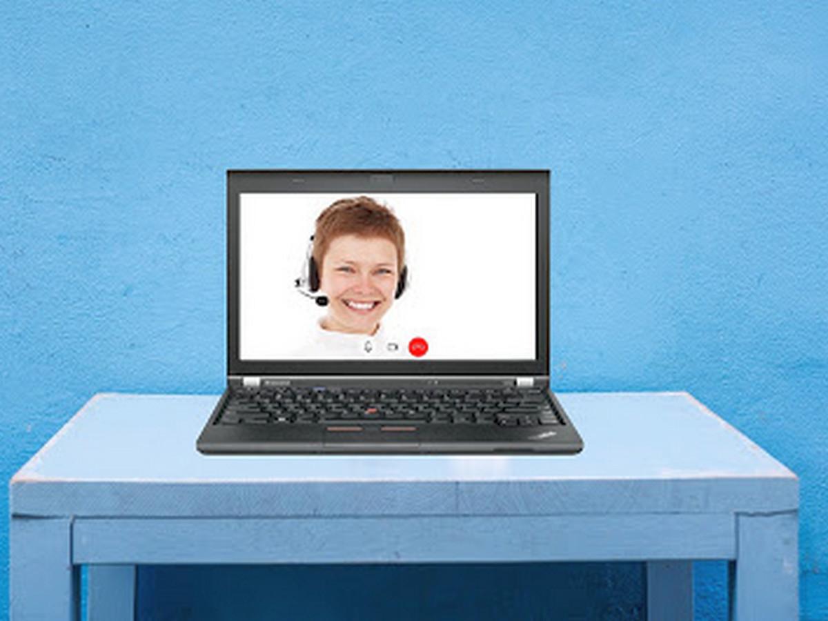 Онлайн-урок прервался после появления в эфире одной из мам в неглиже
