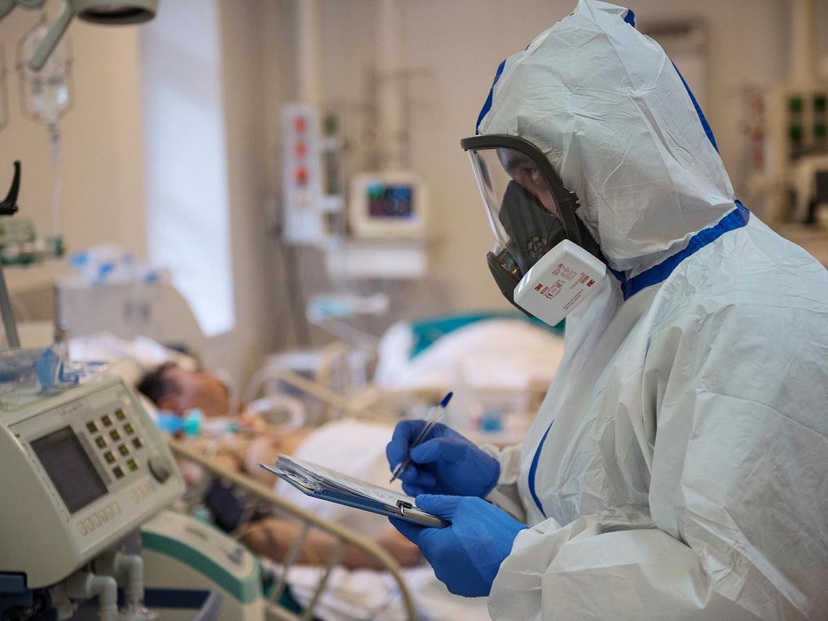 Ученые спрогнозировали пик пандемии в Москве в середине декабря