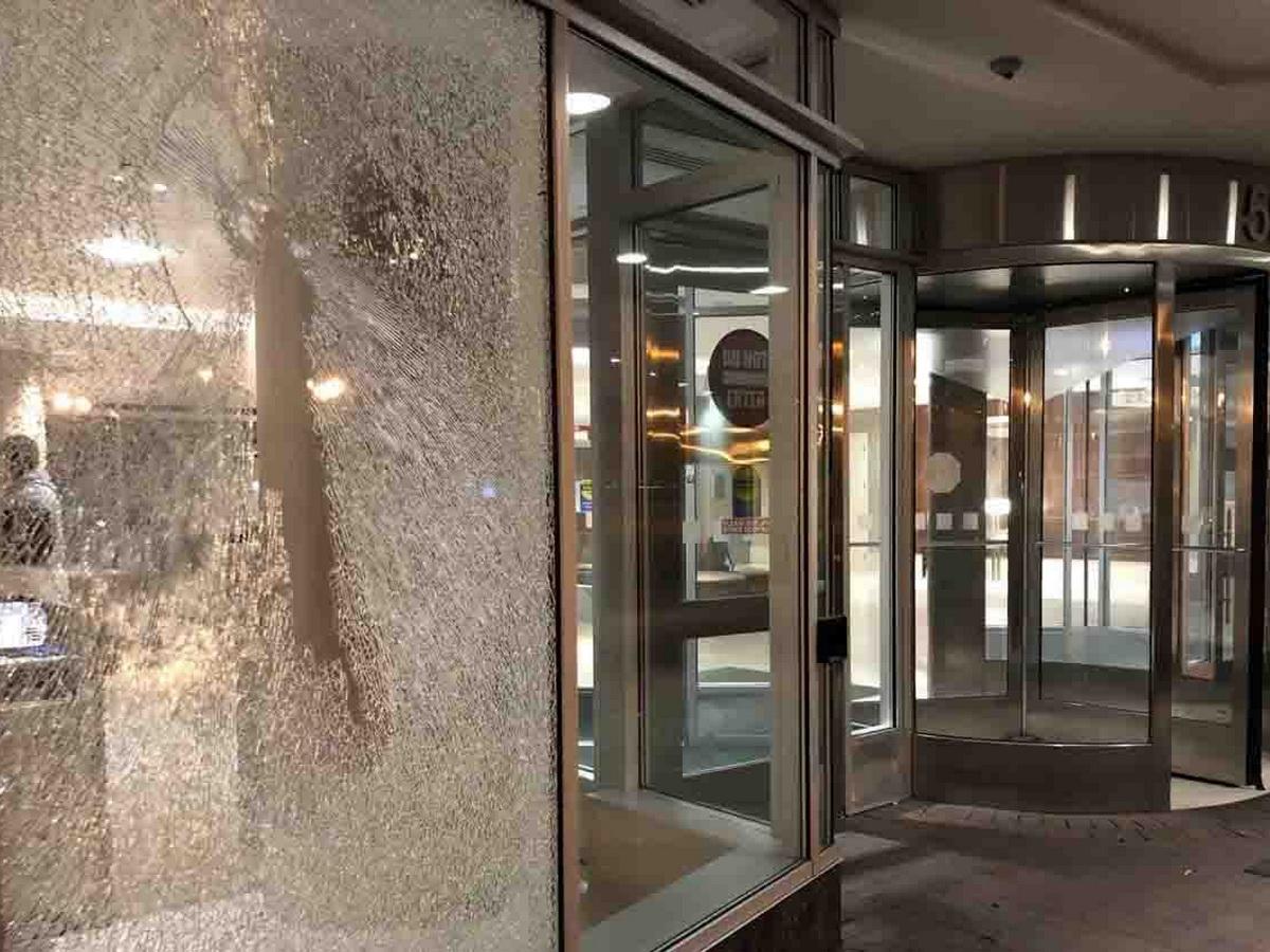 В Вашингтоне обстреляли отель, где остановились российские журналисты