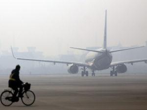 Рейс Москва— Чжэнчжоу отменили из-заодинаковых тестов наCOVID-19у190пассажиров
