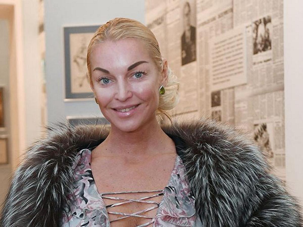 Волочкова пожаловалась на нехватку денег, объявив о распродаже 19 квартир