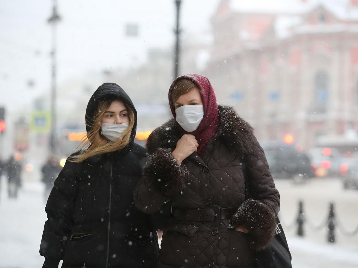 В Роспотребнадзоре назвали два вероятных сценария пандемии в январе