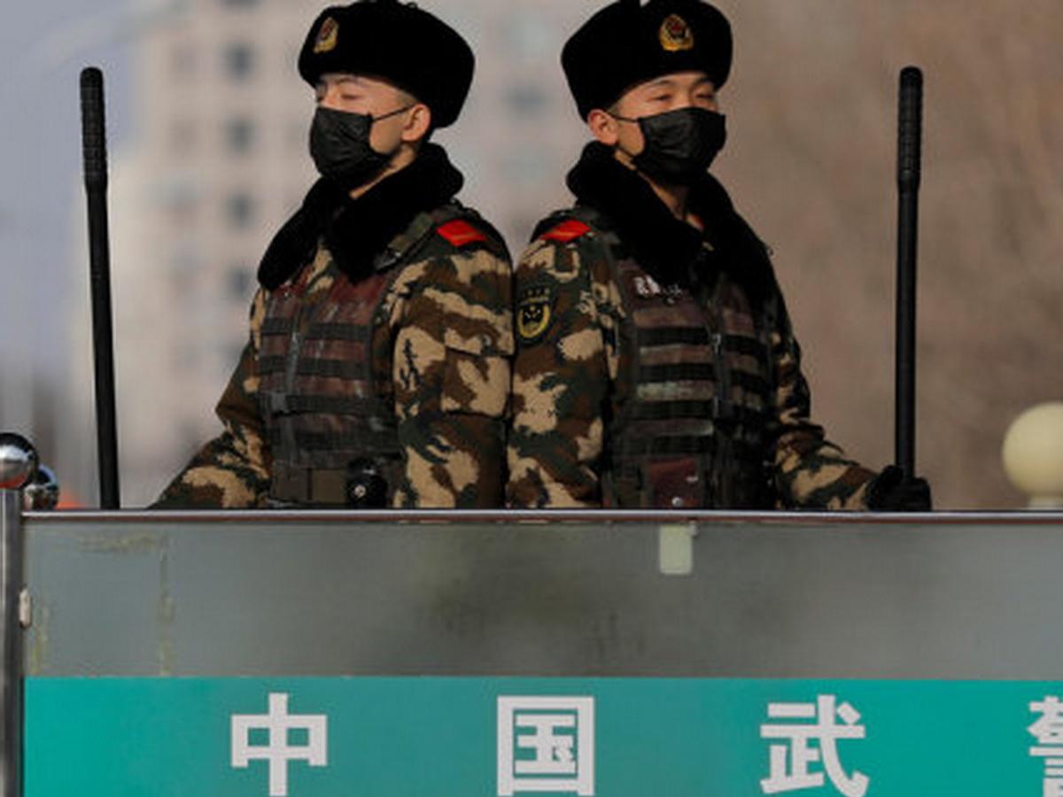 Китай ввел военное положение на границе с РФ
