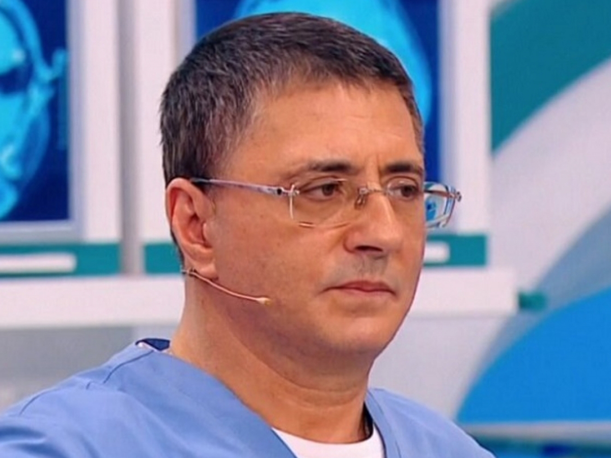 Доктор Мясников назвал облегчающее лечение COVID-19 вещество