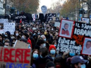 Французский парламент о законопроекте о изображениях полицейских