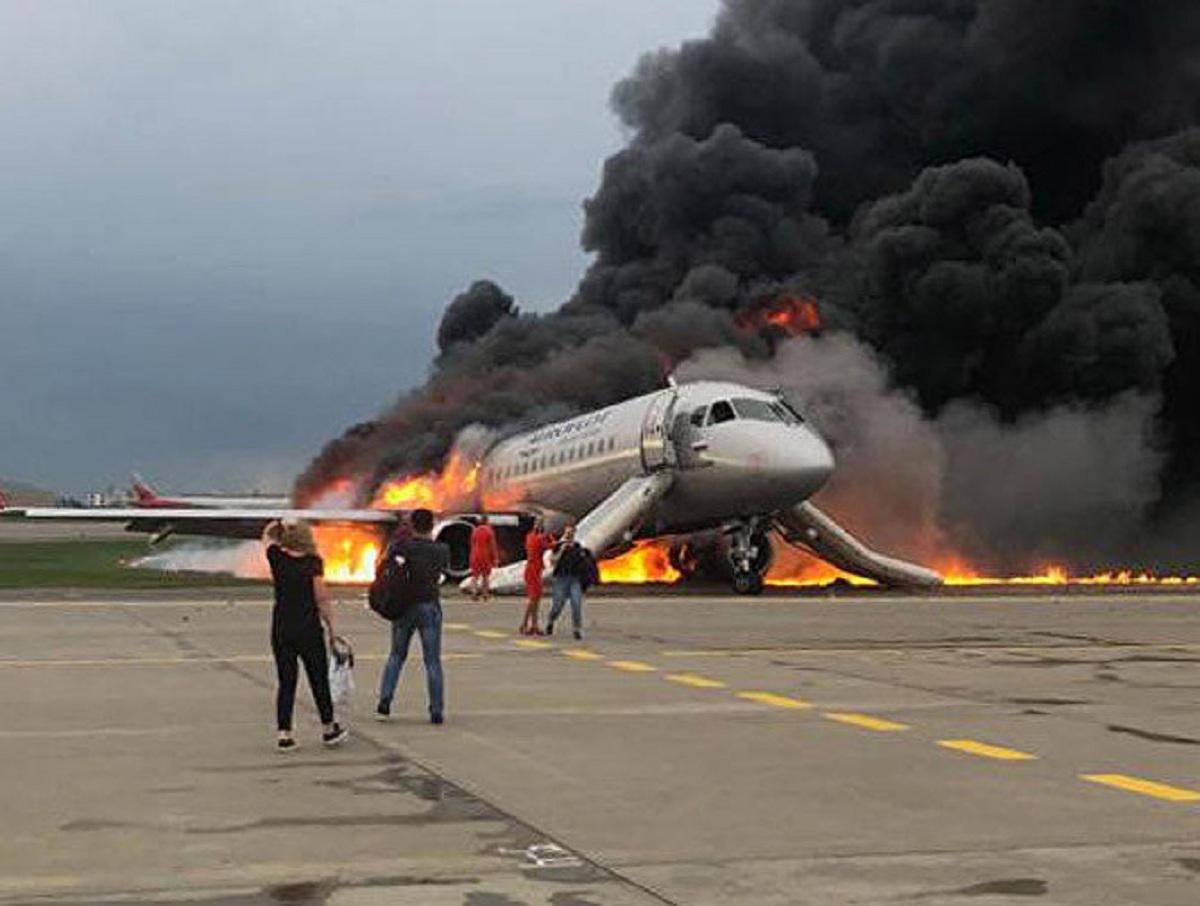 «Аэрофлот» обвинил учебный тренажер в катастрофе SSJ 100 в Шереметьево