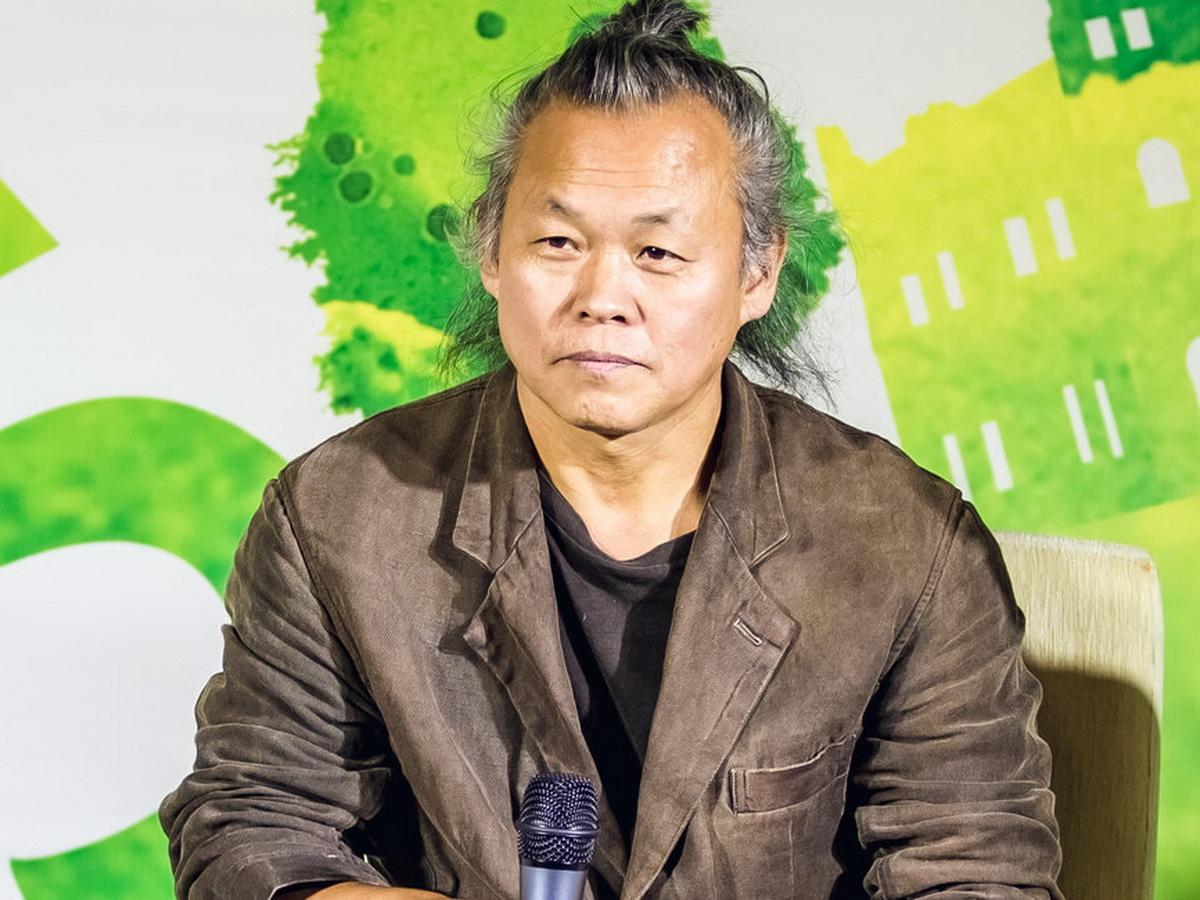 Кинорежиссер Ким Ки Дук умер из-за коронавируса