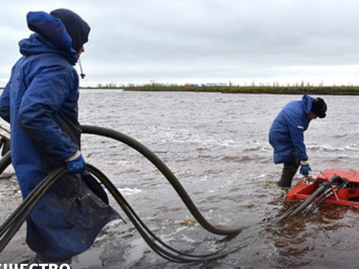 МЧС назвало разлив нефти в Норильске самым масштабным на планете
