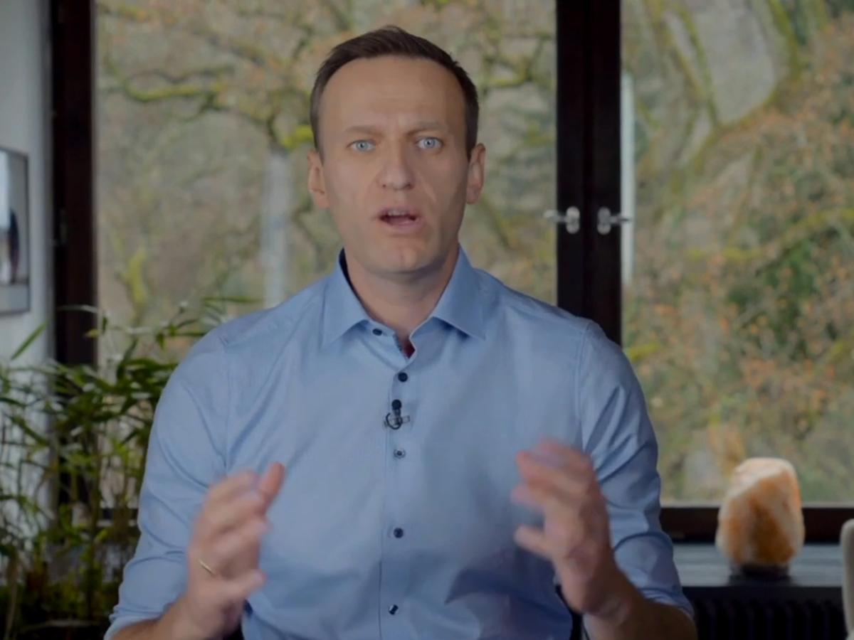 Навальный позвонил отравителю: только мэмы