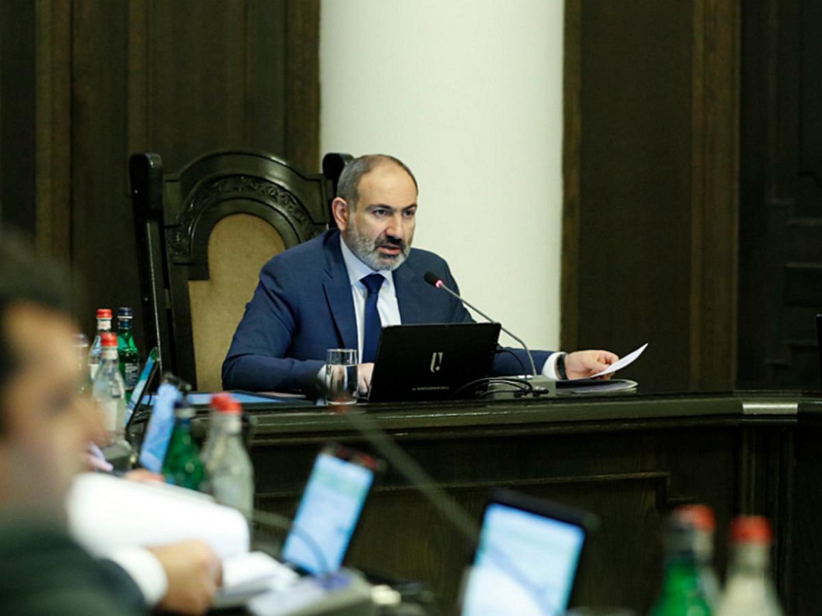 Пашинян сообщил о попавших в окружение российских миротворцах