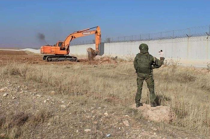 Россия перекрыла движение турецкой техники в Сирии