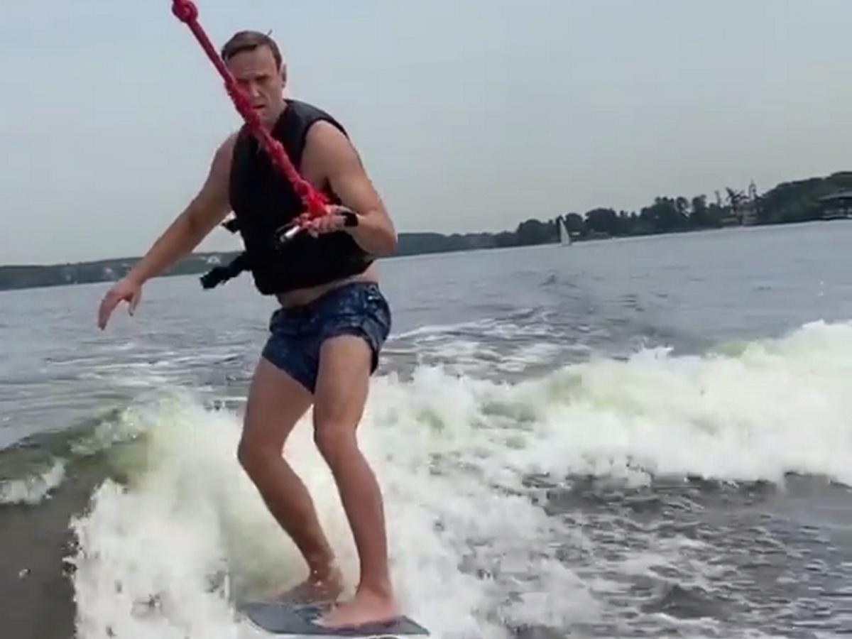 Трусы Навального стали мемом