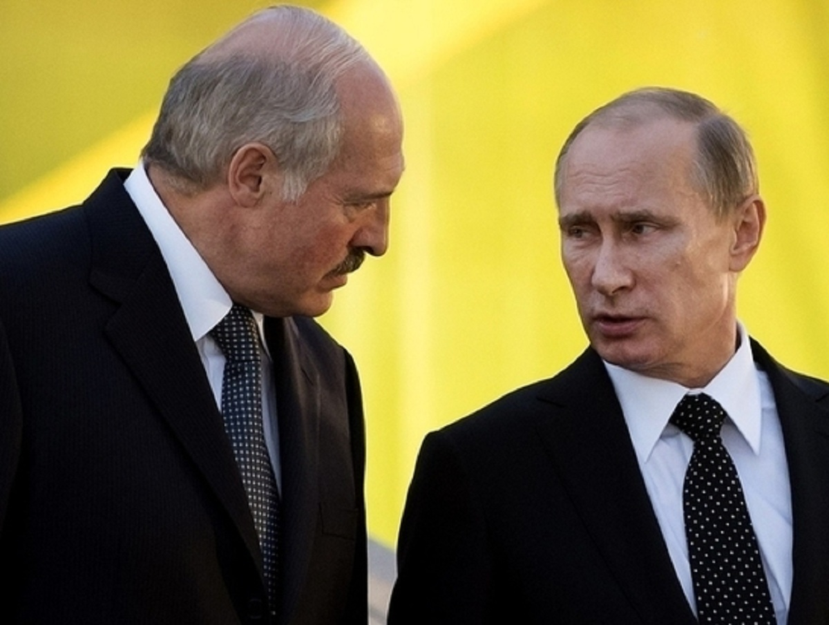 """""""Ожидают большие проблемы"""": политолог рассказал, как Путин будет """"дожимать"""" Лукашенко"""