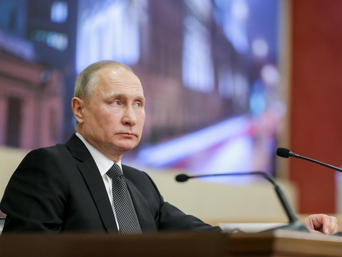 Путин заявил о недопустимости нехватке у россиян денег на продуктовую корзину