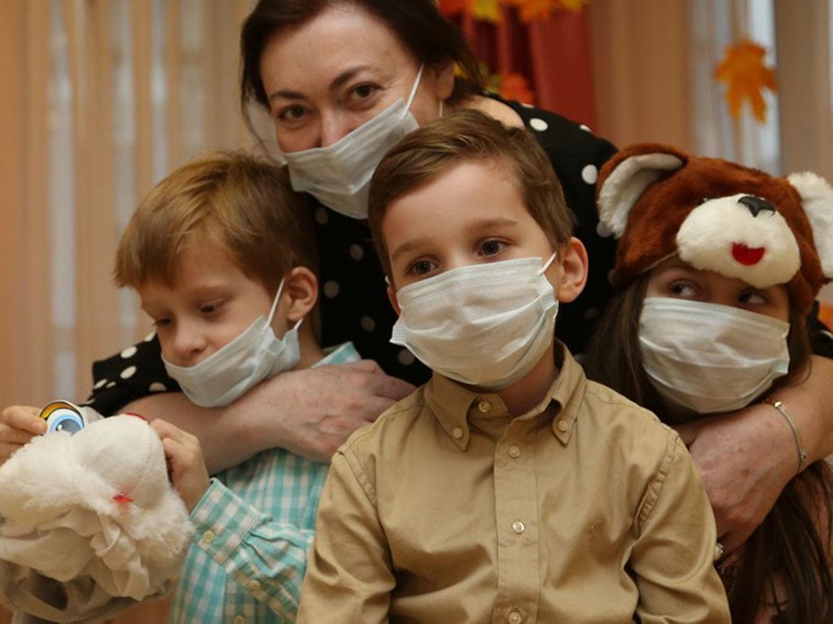 Врач о коронавирусе внутри семьи