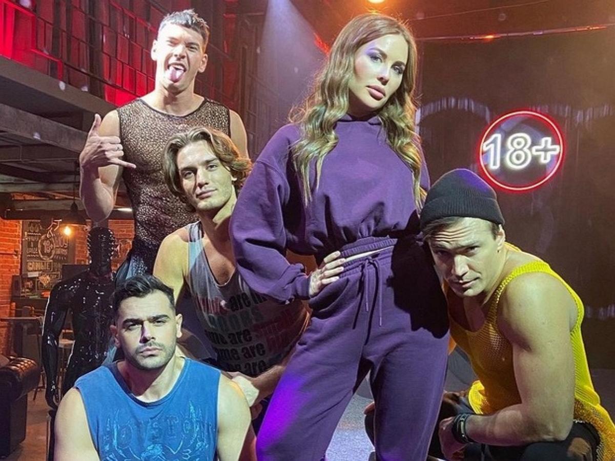 Юлия Михалкова снялась в новом сериала Андреасяна «Стриптизеры», показав фото со съемок
