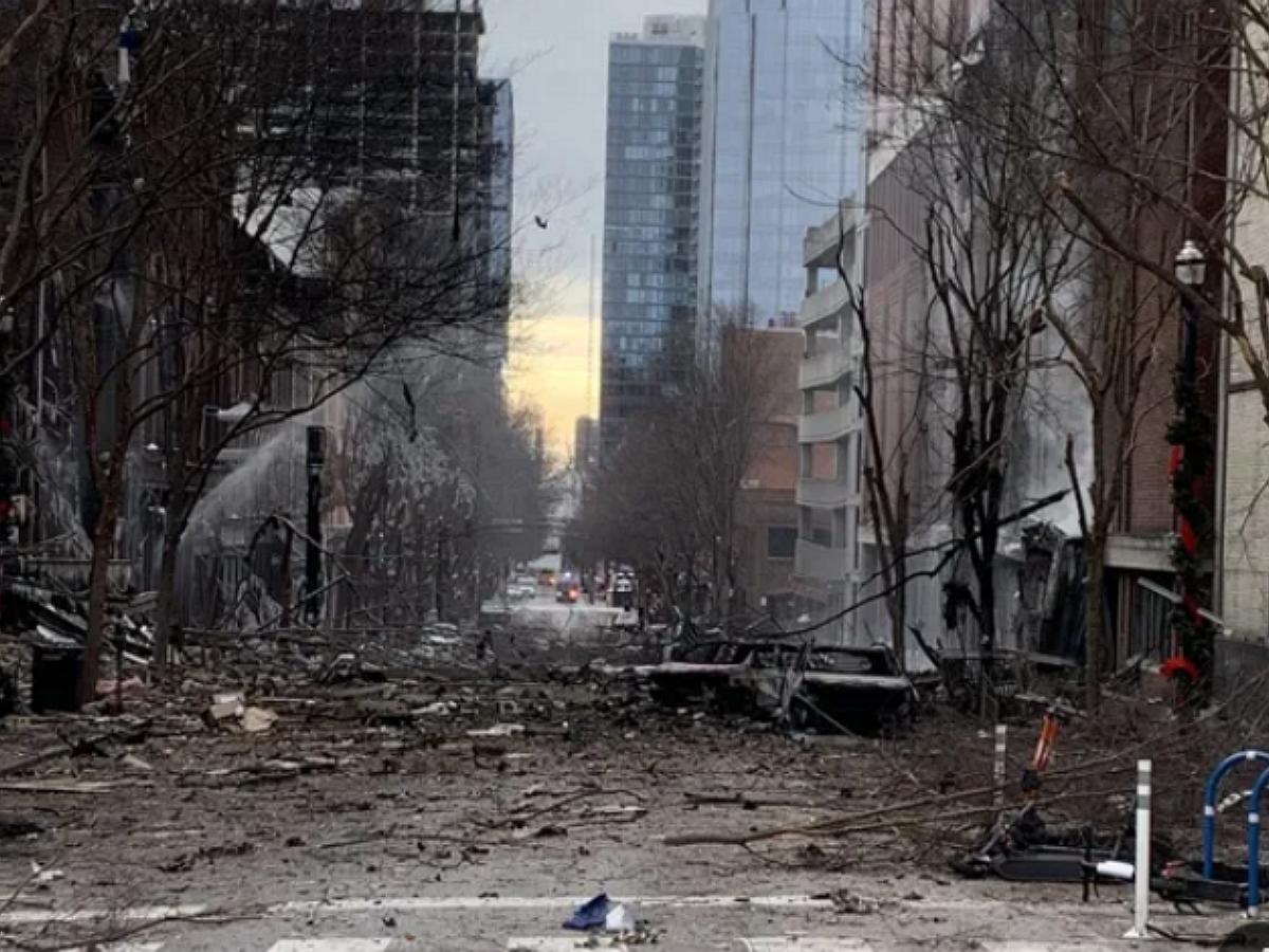 """""""Этот автомобиль взорвется через 15 минут"""": мощный взрыв в Нэшвилле попал на видео"""