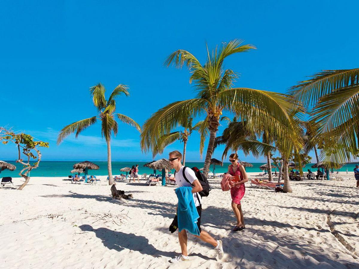 Россиянин сравнил отдых на Кубе с тюрьмой посреди пальм