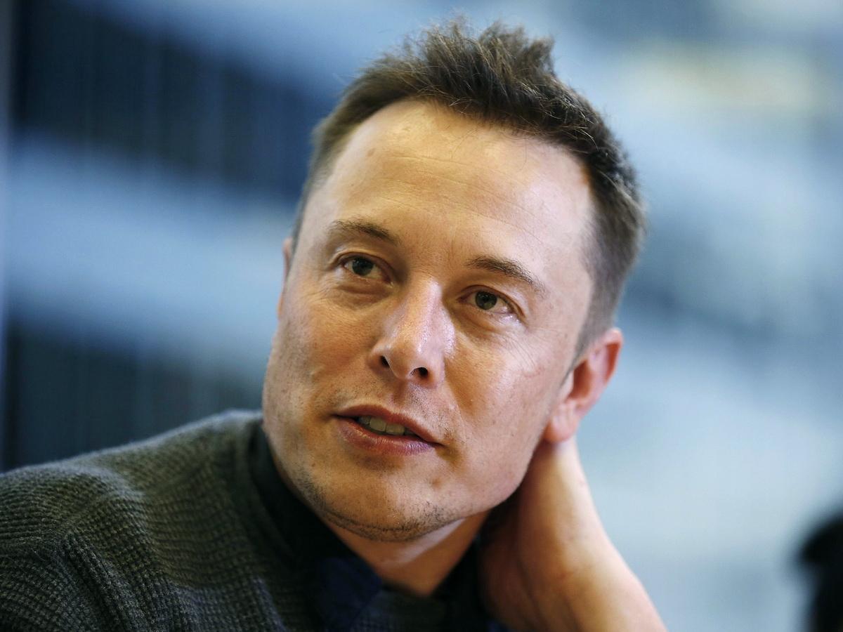 Маск рассказал о предложении к Apple купить Tesla