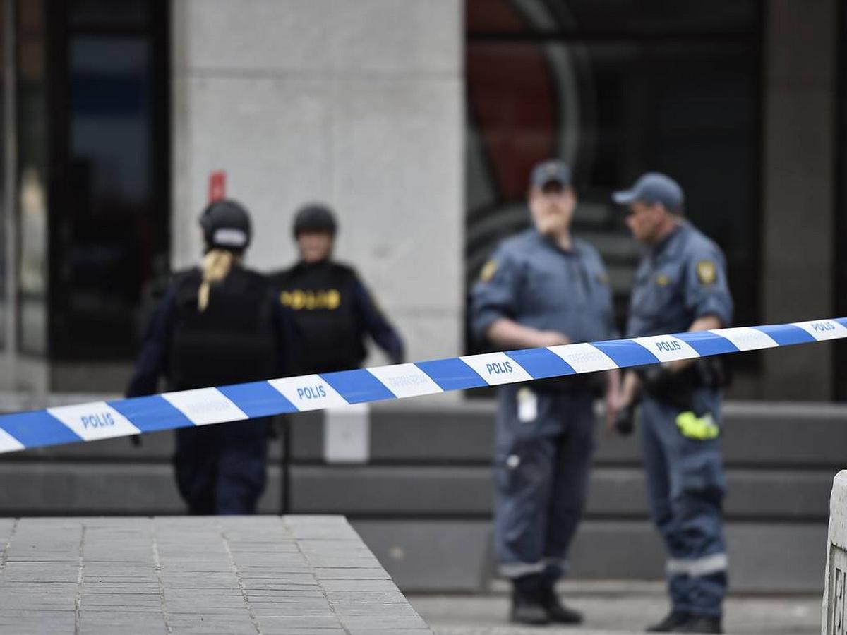 Шведка 28 лет держала в заточении собственного сына