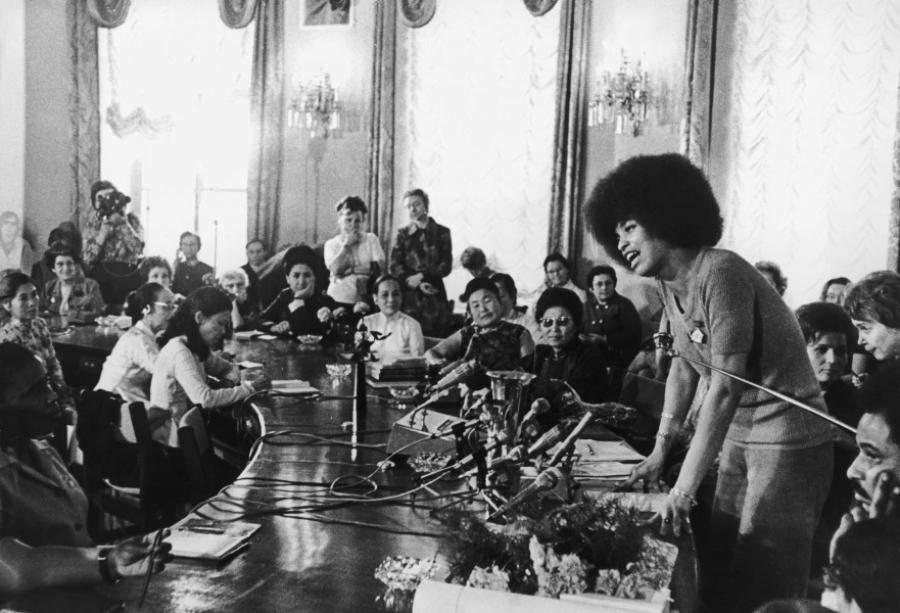 Анджела Дэвис, доктор Хайдер и другие: что стало с пропагандистскими символами времен СССР