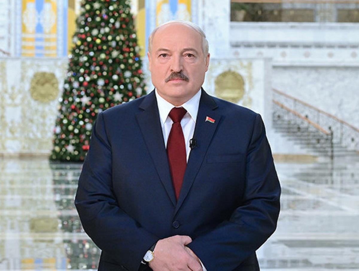 """""""Сродни самоубийству"""": эксперты объяснили, почему Лукашенко не откажется от власти и какой его ждет конец"""