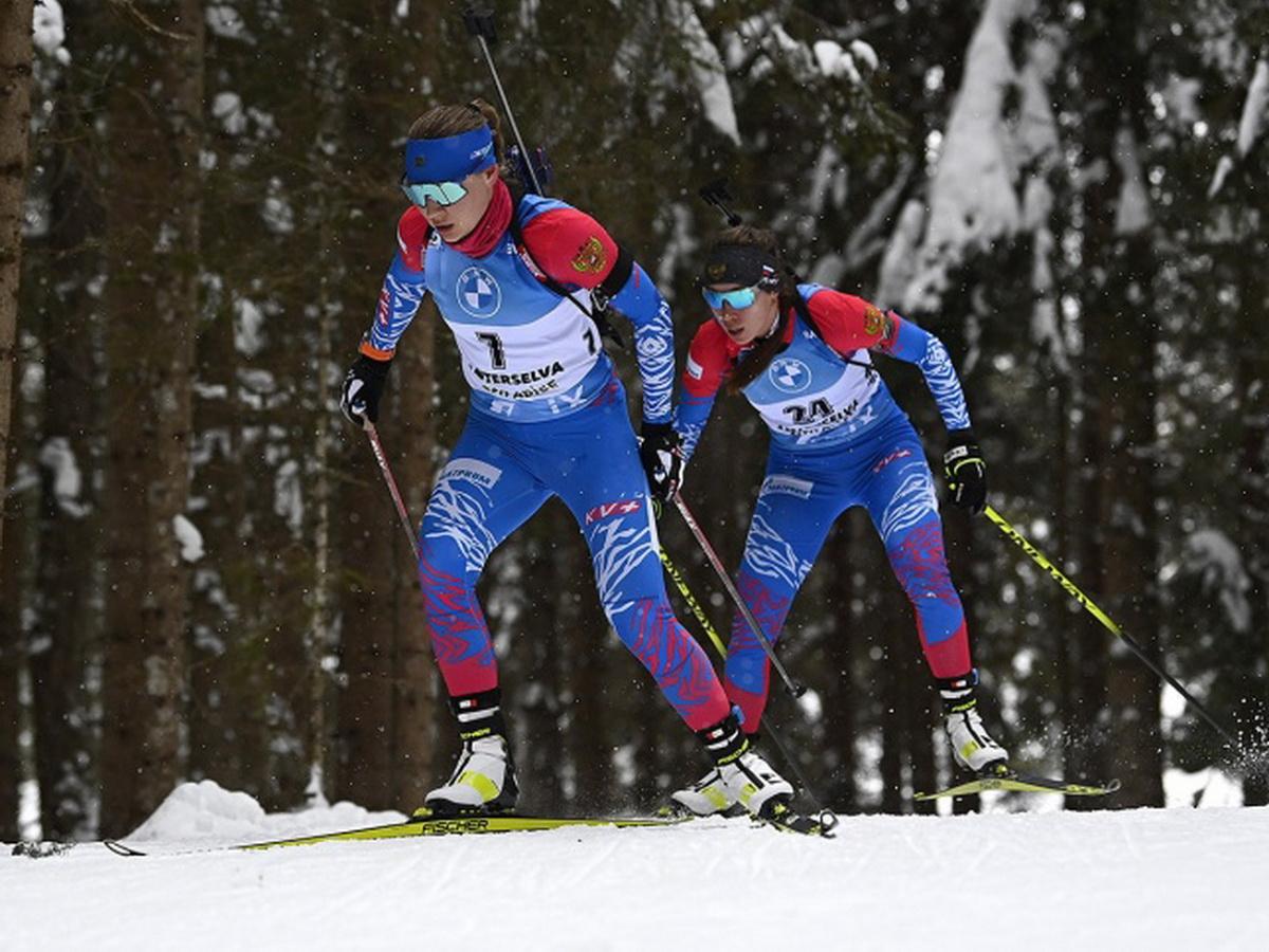 Женская сборная выиграла эстафету на этапе КМ по биатлону