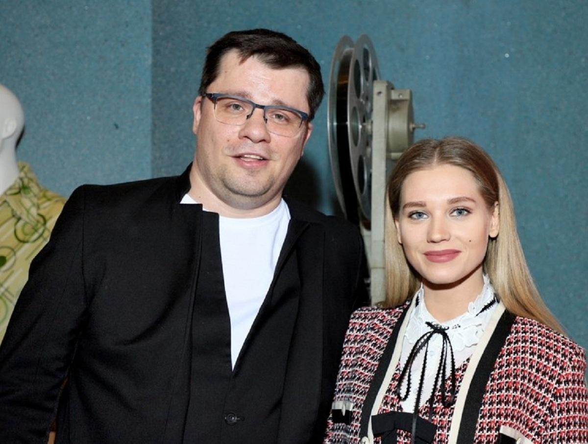 Асмус поиздевалась над СМИ, опубликовав совместное видео с Харламовым