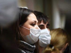 В Минздраве ответили, нужно ли носить маски после вакцинации от COVID-19