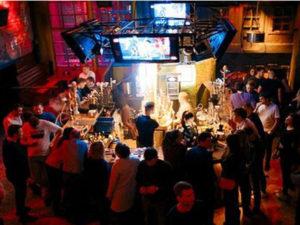 Мэрия Москвы ввела новые правила по работе баров и ресторанов в пандемию