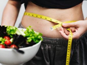Названы 12 правил похудения без диет