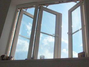 В Подмосковье две школьницы выпали с 17 этажа, делая селфи