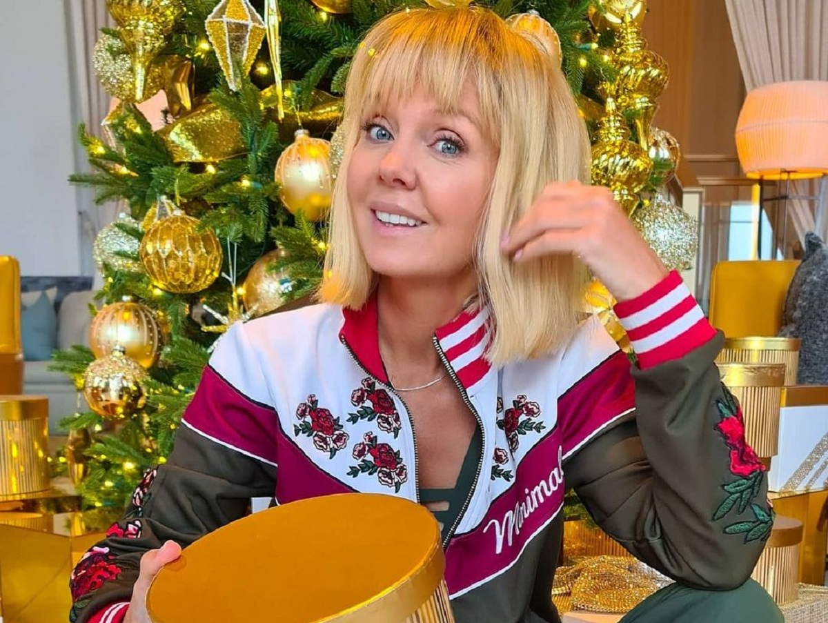Певица Валерия разругалась с фанатами, оскорбившими ее внучку