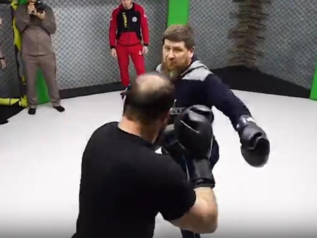 Появилось видео нокаута Кадыровым директора ансамбля
