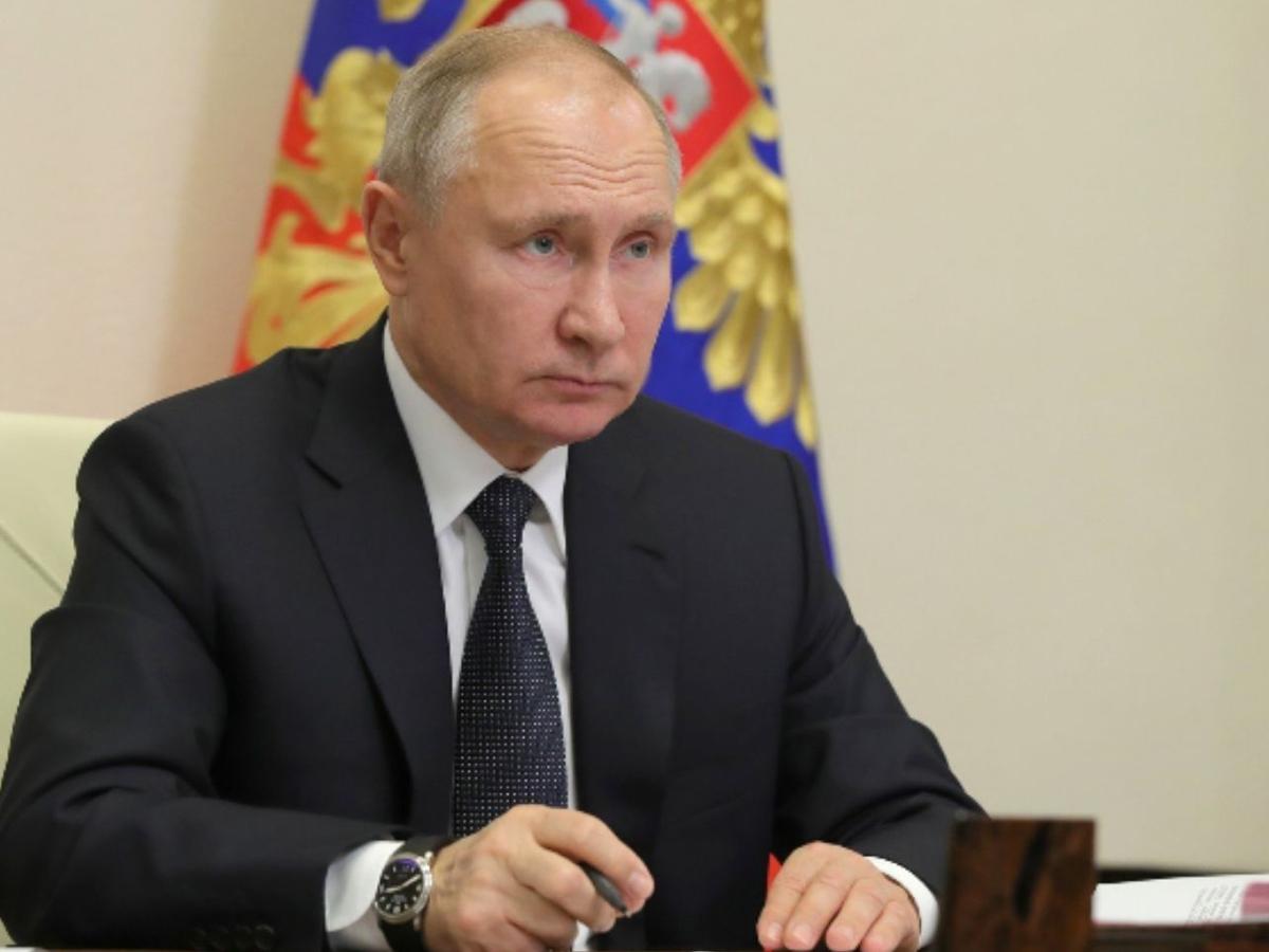 Путин заявил о начале массовой вакцинации всех россиян