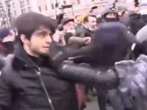 Ввязавшийся в драку с омоновцами чеченец раскаялся в своем поступке