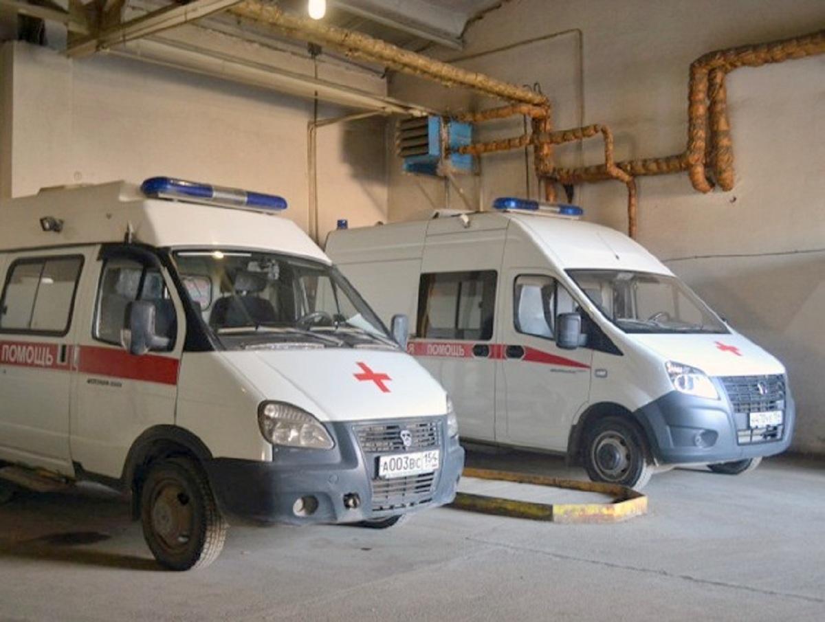 «Ковидом прикрываетесь»: заведующая скорой помощи обматерила больного врача