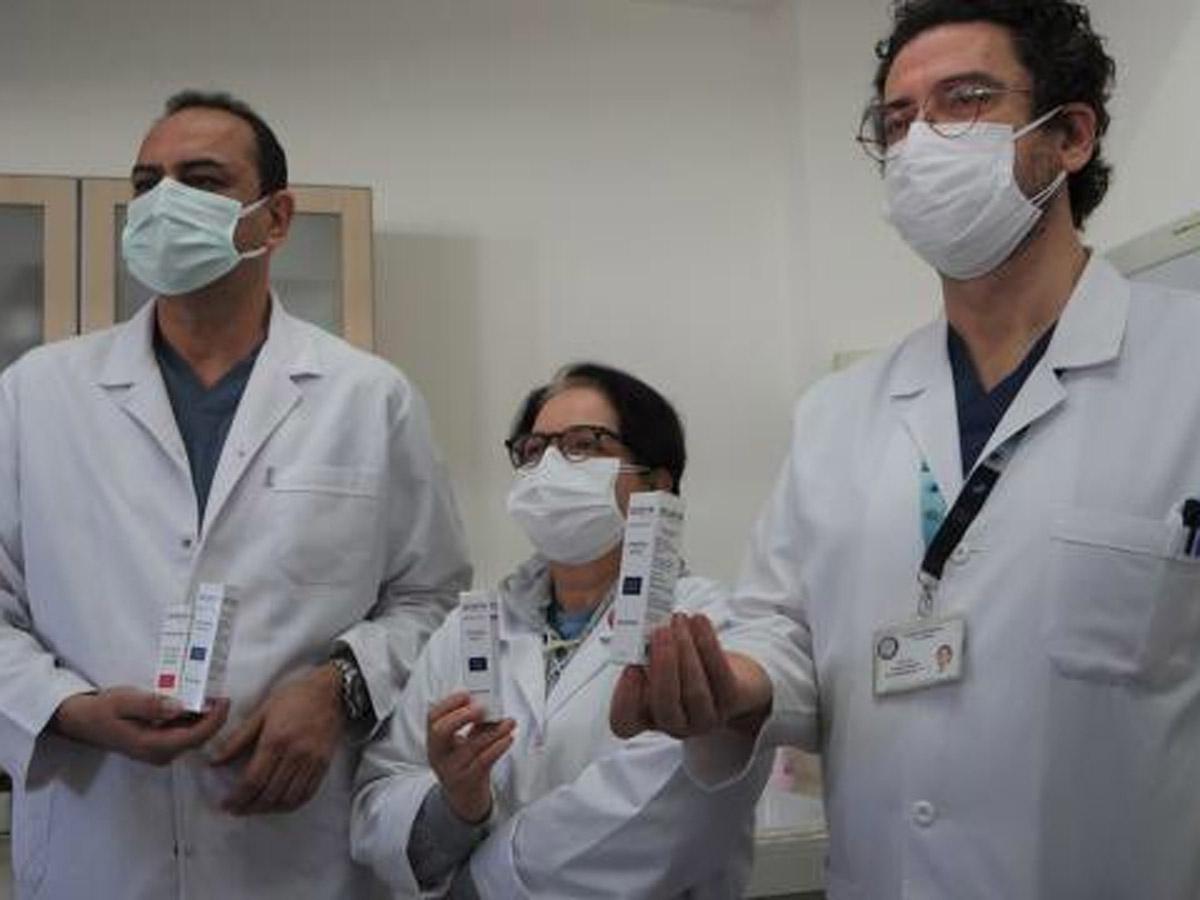 Турецкие ученые создали спрей, убивающий COVID-19заминуту